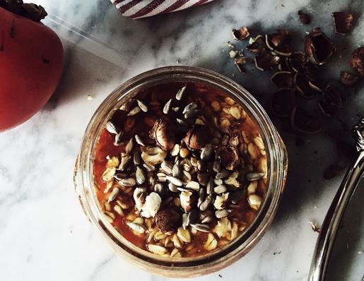 una ricetta di porridge senza latte e con cachi