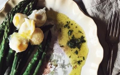 asparagi e uova di quaglia in camicia